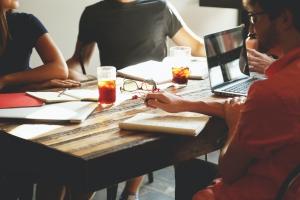 会社の規模で考える経費精算システム選び成功のポイント